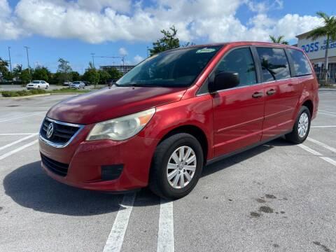 2009 Volkswagen Routan for sale at Alma Car Sales in Miami FL