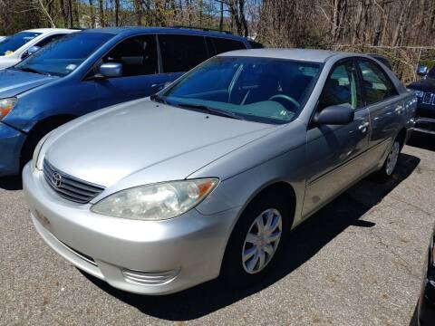 2005 Toyota Camry for sale at CRS 1 LLC in Lakewood NJ