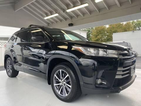 2017 Toyota Highlander for sale at Pasadena Preowned in Pasadena MD