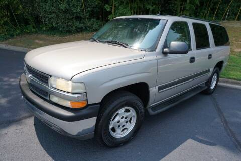 2005 Chevrolet Suburban for sale at Modern Motors - Thomasville INC in Thomasville NC