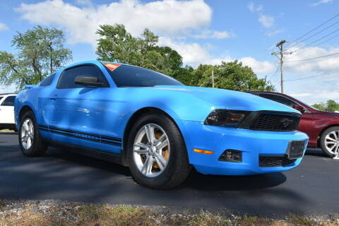 2011 Ford Mustang for sale at JE AUTO SALES LLC in Webb City MO