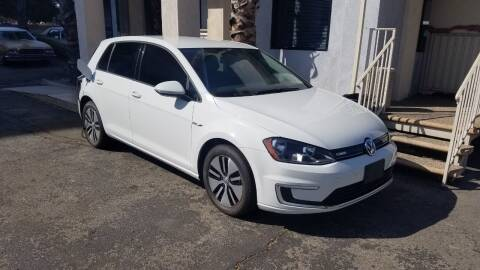 2016 Volkswagen e-Golf for sale at In-House Auto Finance in Hawthorne CA