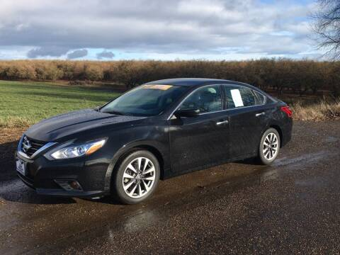 2017 Nissan Altima for sale at M AND S CAR SALES LLC in Independence OR