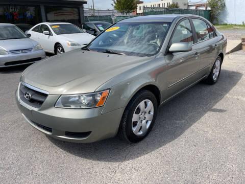 2007 Hyundai Sonata for sale at Diana Rico LLC in Dalton GA