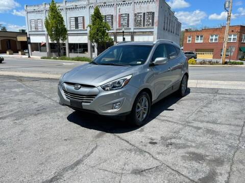 2015 Hyundai Tucson for sale at East Main Rides in Marion VA