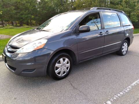 2006 Toyota Sienna for sale at Jan Auto Sales LLC in Parsippany NJ