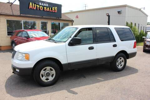 2005 Ford Expedition for sale at BANK AUTO SALES in Wayne MI