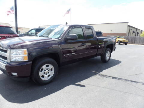 2008 Chevrolet Silverado 1500 for sale at DeLong Auto Group in Tipton IN
