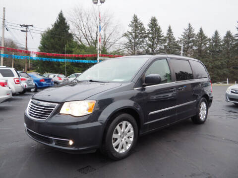 2014 Chrysler Town and Country for sale at Patriot Motors in Cortland OH