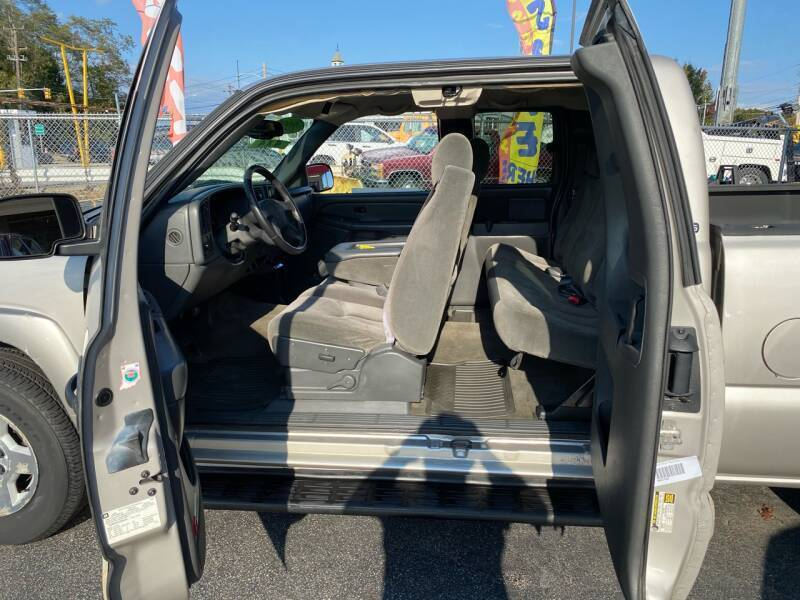 2005 Chevrolet Silverado 1500 4dr Extended Cab Z71 4WD LB - Warwick RI