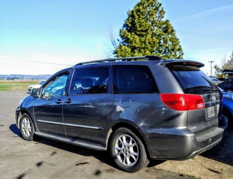 2004 Toyota Sienna for sale at M AND S CAR SALES LLC in Independence OR