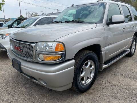 2005 GMC Yukon for sale at Martinez Cars, Inc. in Lakewood CO