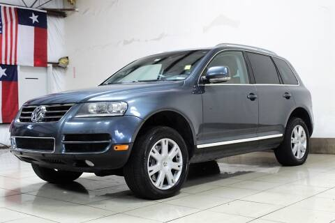 2007 Volkswagen Touareg for sale at ROADSTERS AUTO in Houston TX