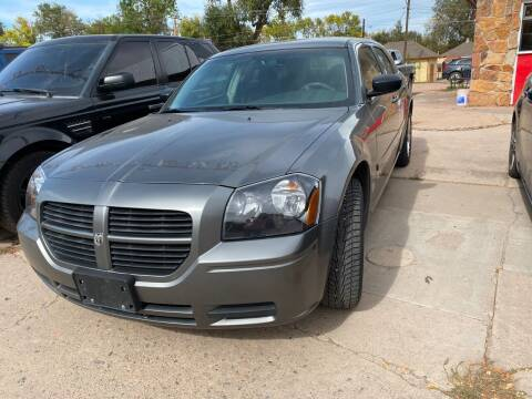 2005 Dodge Magnum for sale at PYRAMID MOTORS AUTO SALES in Florence CO