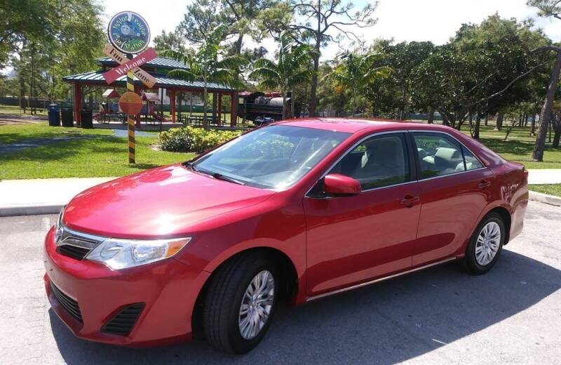 2014 Toyota Camry for sale in Ft Lauderdale, FL