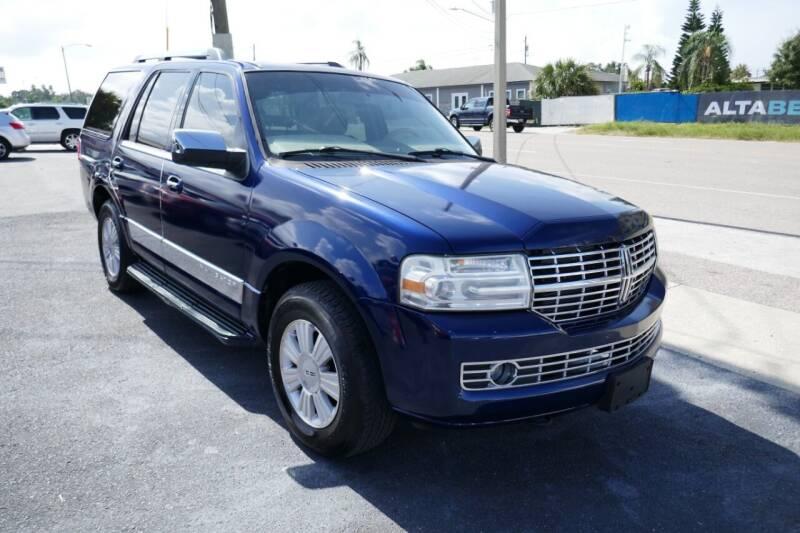 2007 Lincoln Navigator for sale at J Linn Motors in Clearwater FL