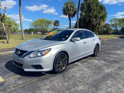 2016 Nissan Altima for sale at Lamberti Auto Collection in Plantation FL