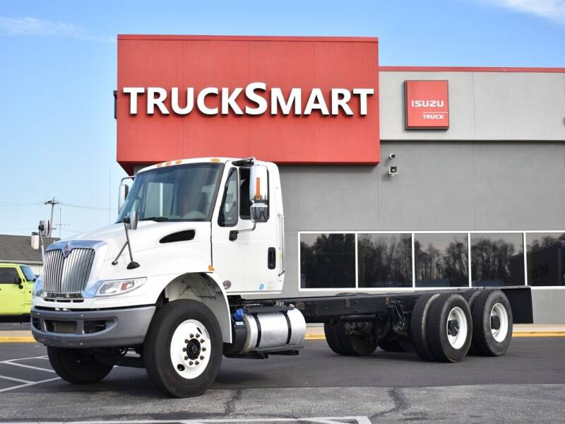 2018 International DuraStar 4400 for sale at Trucksmart Isuzu in Morrisville PA