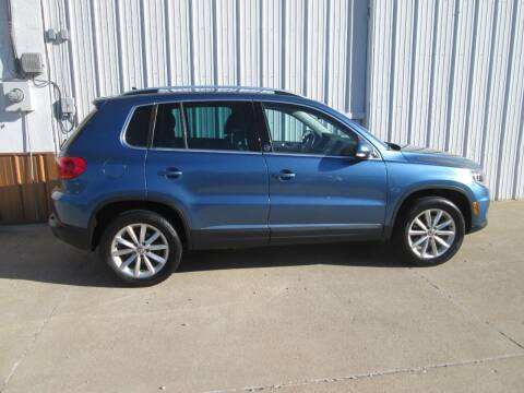 2017 Volkswagen Tiguan for sale at Parkway Motors in Osage Beach MO