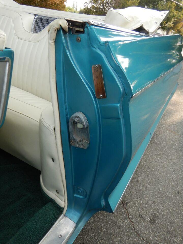 1961 Cadillac Eldorado Biarritz 39