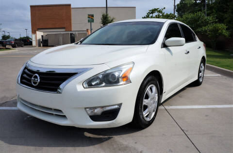 2013 Nissan Altima for sale at International Auto Sales in Garland TX