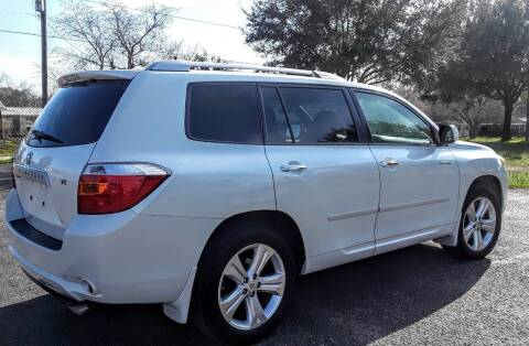 2009 Toyota Highlander for sale at Rons Auto Sales in Stockdale TX