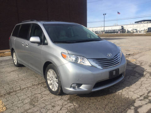 2011 Toyota Sienna for sale at Savannah Motors in Cahokia IL