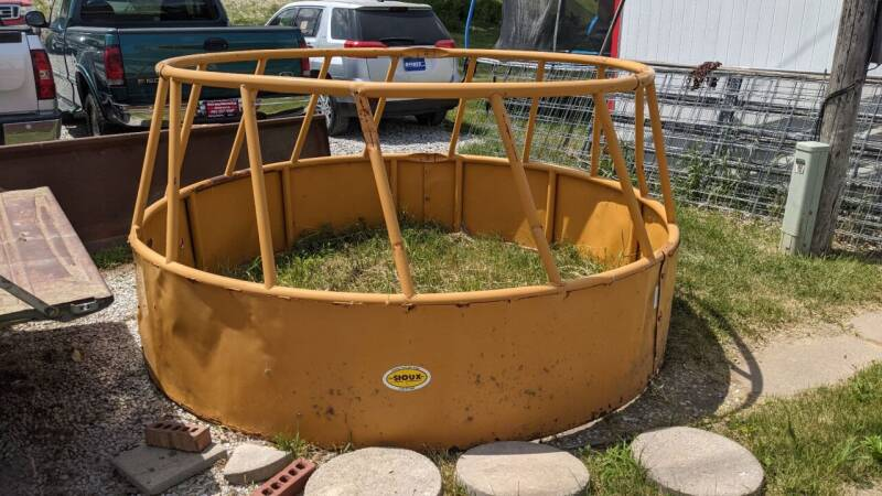 Sioux Round Bale Feeder for sale at Sarpy County Motors in Springfield NE