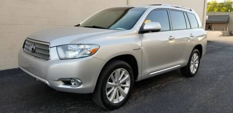2010 Toyota Highlander Hybrid for sale at Derby City Automotive in Louisville KY