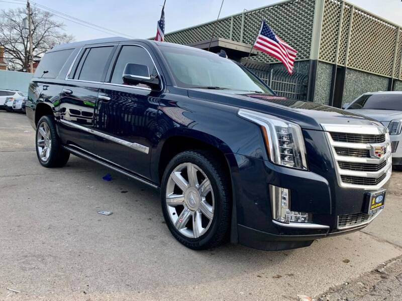 2017 Cadillac Escalade ESV for sale at Gus's Used Auto Sales in Detroit MI