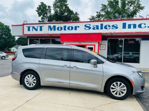 2019 Chrysler Pacifica for sale at TNT Motor Sales in Oregon IL