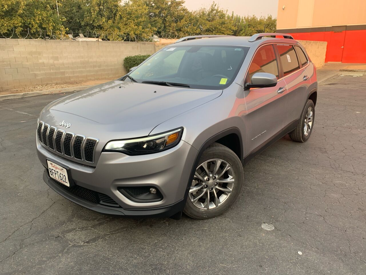 Pre-Owned 2019 Jeep Cherokee Latitude Plus Sport Utility 4D SUV