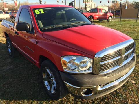 2007 Dodge Ram Pickup 1500 for sale at ROUTE 6 AUTOMAX in Markham IL