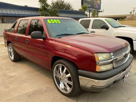 2005 Chevrolet Avalanche for sale at Approved Autos in Bakersfield CA