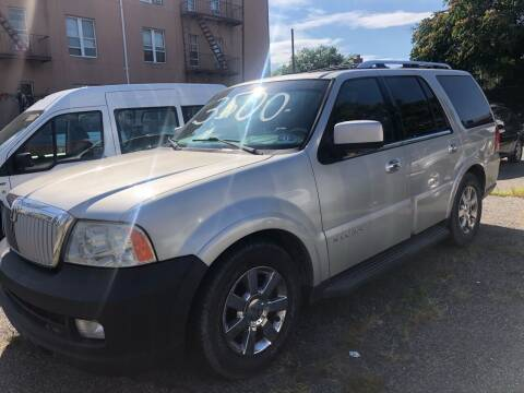 2006 Lincoln Navigator for sale at GARET MOTORS in Maspeth NY