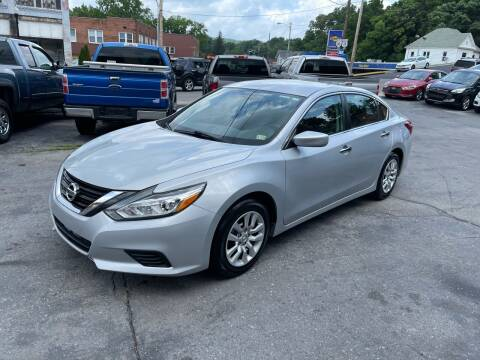 2017 Nissan Altima for sale at East Main Rides in Marion VA