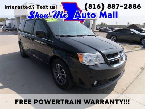 2017 Dodge Grand Caravan for sale at Show Me Auto Mall in Harrisonville MO