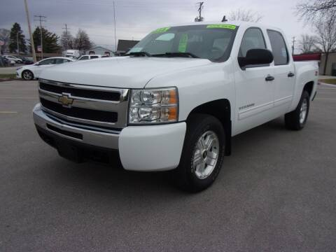 2009 Chevrolet Silverado 1500 for sale at Ideal Auto Sales, Inc. in Waukesha WI