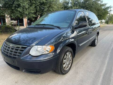 2007 Chrysler Town and Country for sale at High Beam Auto in Dallas TX
