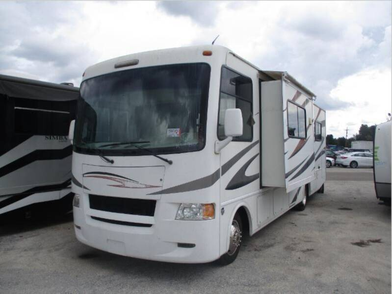 2011 Thor Industries Hurricane for sale at Florida Coach Trader Inc in Tampa FL