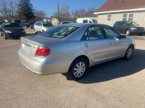 2006 Toyota Camry for sale at Peak Motors in Loves Park IL