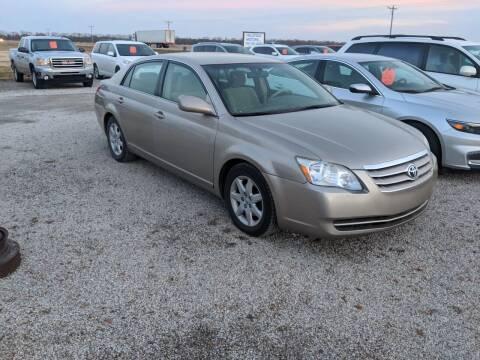 2005 Toyota Avalon for sale at Halstead Motors LLC in Halstead KS