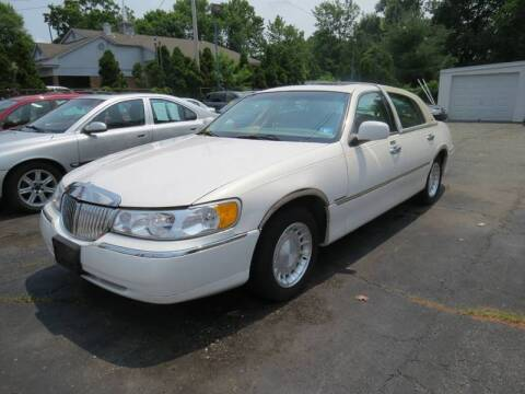 2000 Lincoln Town Car for sale at Jerry Morese Auto Sales LLC in Springfield NJ