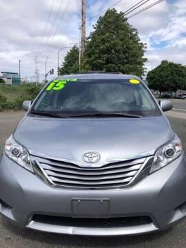 2015 Toyota Sienna for sale at ALHAMADANI AUTO SALES in Spanaway WA