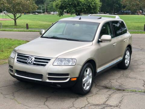 2004 Volkswagen Touareg for sale at Choice Motor Car in Plainville CT