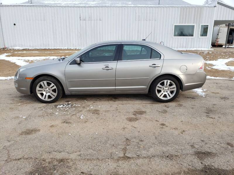 2009 Ford Fusion for sale at Steve Winnie Auto Sales in Edmore MI