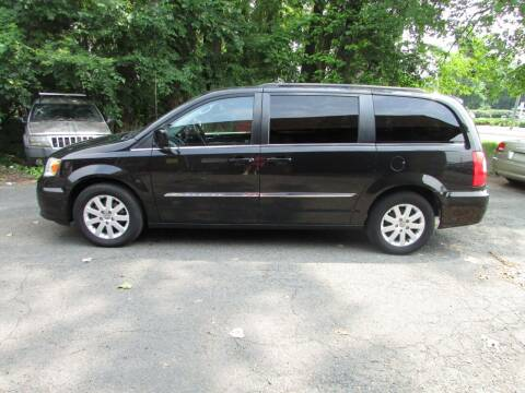 2014 Chrysler Town and Country for sale at Nutmeg Auto Wholesalers Inc in East Hartford CT