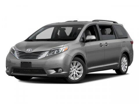 2017 Toyota Sienna for sale at BEAMAN TOYOTA in Nashville TN