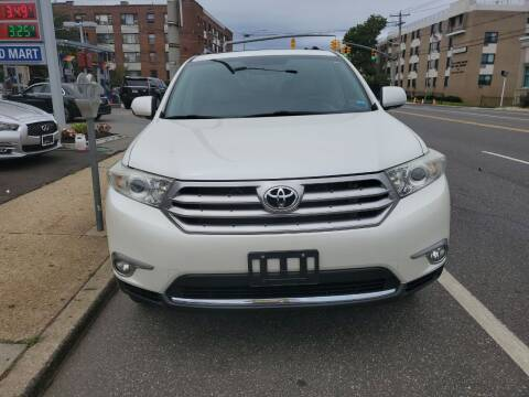 2013 Toyota Highlander for sale at OFIER AUTO SALES in Freeport NY