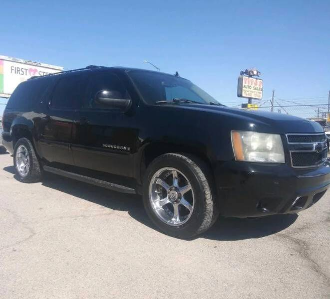 2007 Chevrolet Suburban for sale at Moving Rides in El Paso TX